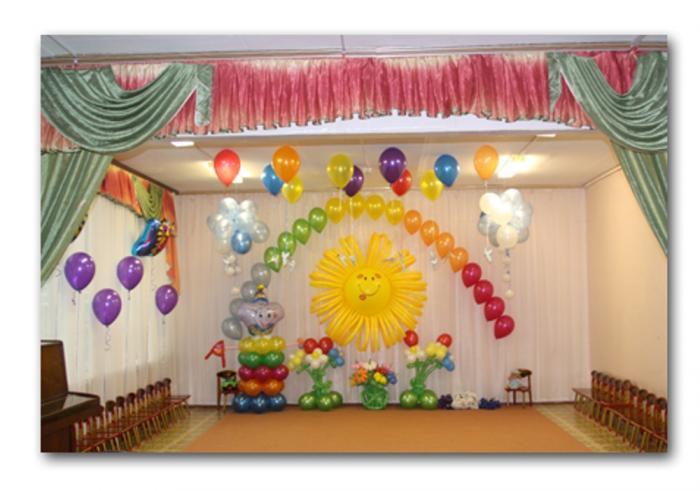 Украшение зала в детском саду на Выпускной вечер Оформление воздушными шарами Выпускного вечера.